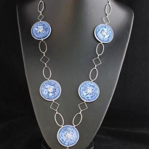 Sautoir-capsules-bleu