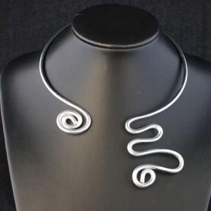 collier-aluminium-serpent
